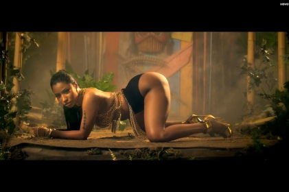 nicki minaj anaconda video grab.